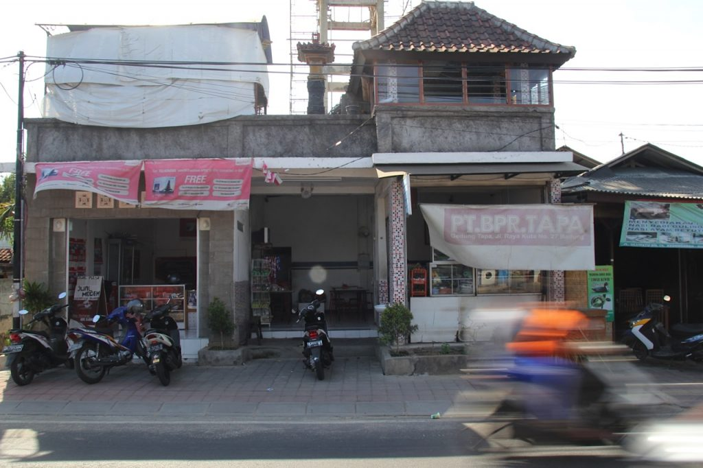 Best restaurants in Jimbaran Bay: best nasi campur in Bali!