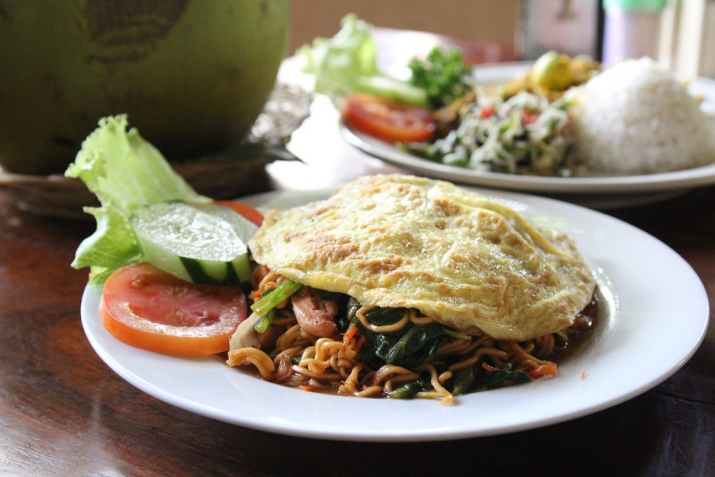 Best restaurants in Seminyak: Mie goreng at Warung Eny, Seminyak, Bali