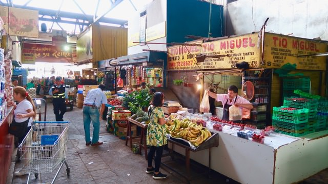 Things to do in Santiago: Fruit shopping at La Vega Central