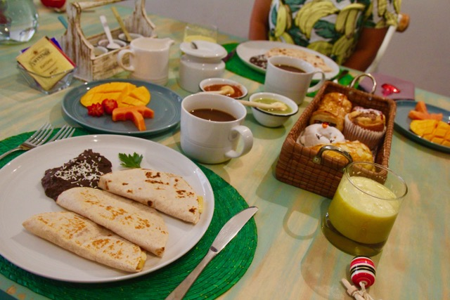 Where to stay in Mexico City: breakfast at La Palomilla BnB
