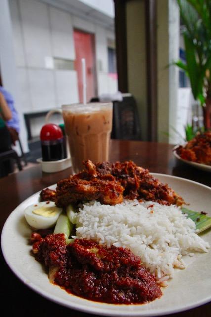 What to eat in Kuala Lumpur: Village Park Restaurant nasi lemak ayam goreng