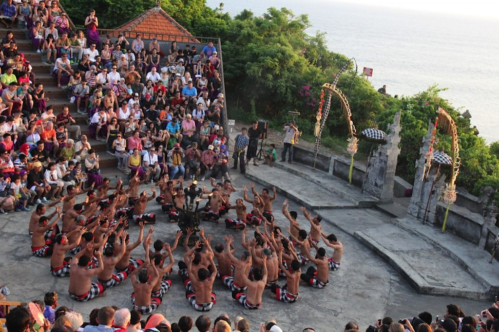 Things to do in Bali, Indonesia: kecak dance at Uluwatu Temple