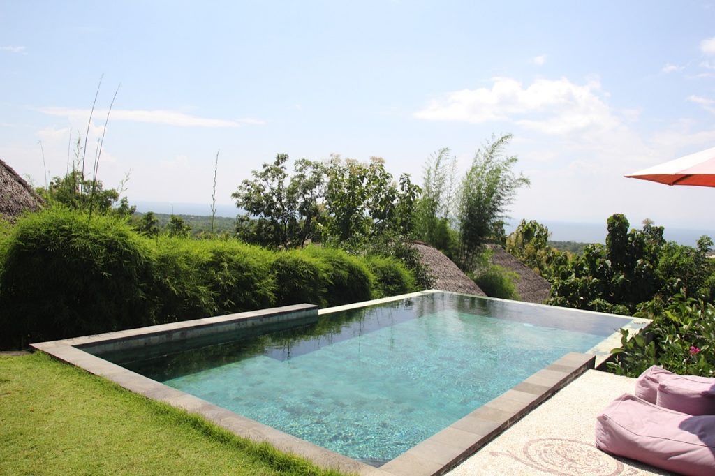 Places to stay in Bali: Airbnb in Uluwatu