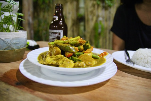 Chicken curry at Olive's Crib, Port Barton, Philippines