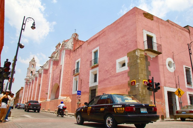 Things to do in Puebla: wander the beautiful streets