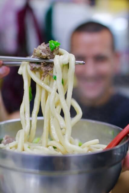 Must eat taiwanese dishes in Taipei: Beef noodle soup from Liu Shandong